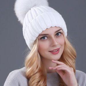 FRR real fox fur pom pom hat